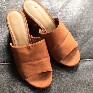 Old Navy Open-Toe Sandals